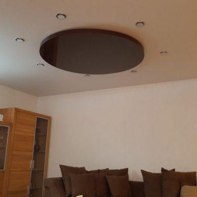 Wohnzimmer Multilevelsystem - Decke in Lack und Satin mit Spotlichtern außenrum
