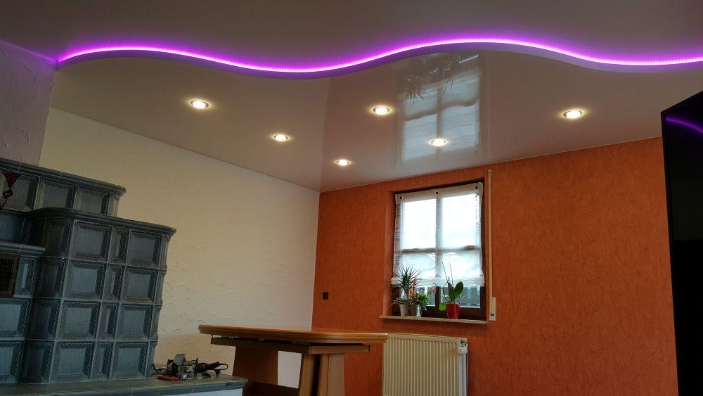 Multilevel Lack- oder Matt - Spanndecke mit indirekter LED - Beleuchtung